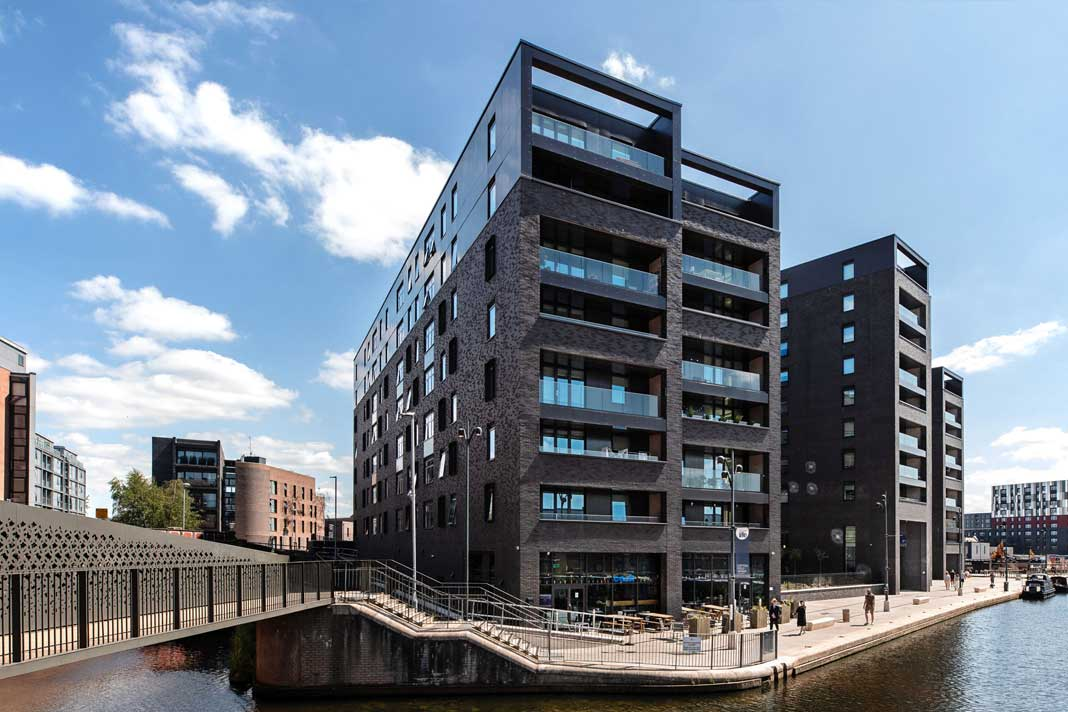 Tensions between landlord and tenants at Manchester development erupt over rent payments - https://roomslocal.co.uk/blog/tensions-between-landlord-and-tenants-at-manchester-development-erupt-over-rent-payments #between #landlord #tenants #manchester #development