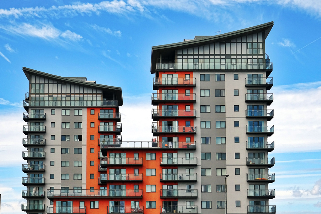 Reluctant landlords: cladding woes force owners to let out properties at a loss - https://roomslocal.co.uk/blog/reluctant-landlords-cladding-woes-force-owners-to-let-out-properties-at-a-loss #landlords #cladding #woes #force #owners