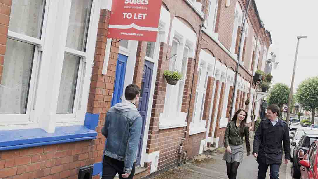 Letting agency and landlords club together to fund rent discount for students - https://roomslocal.co.uk/blog/letting-agency-and-landlords-club-together-to-fund-rent-discount-for-students #agency #landlords #club #together #fund