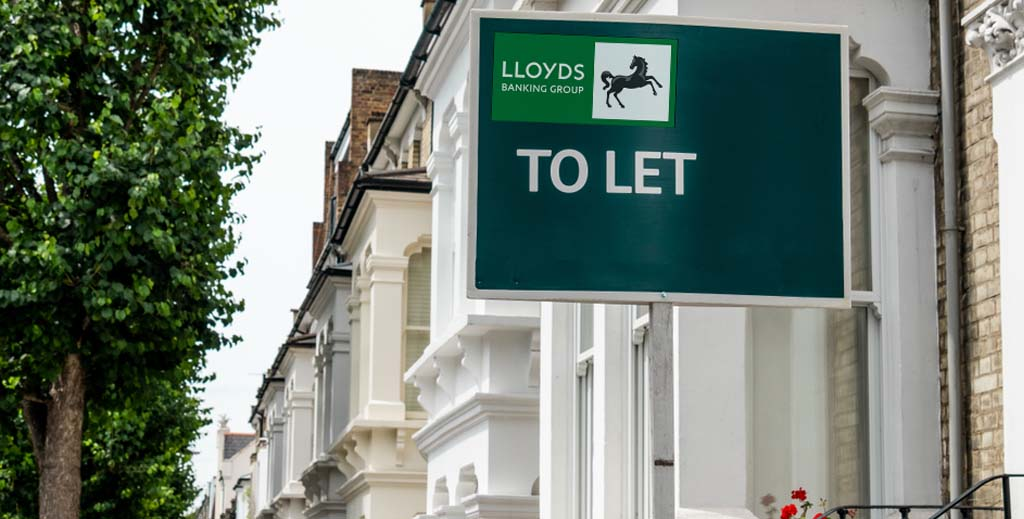 Lloyds Bank is latest high street giant to compete with private landlords for tenants - https://roomslocal.co.uk/blog/lloyds-bank-is-latest-high-street-giant-to-compete-with-private-landlords-for-tenants #bank #latest #high #street #giant