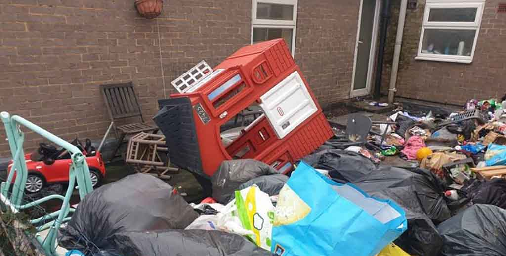 Desperate landlords face six-month wait as nightmare tenants wreck property - https://roomslocal.co.uk/blog/desperate-landlords-face-six-month-wait-as-nightmare-tenants-wreck-property #landlords #face #month #wait #nightmare