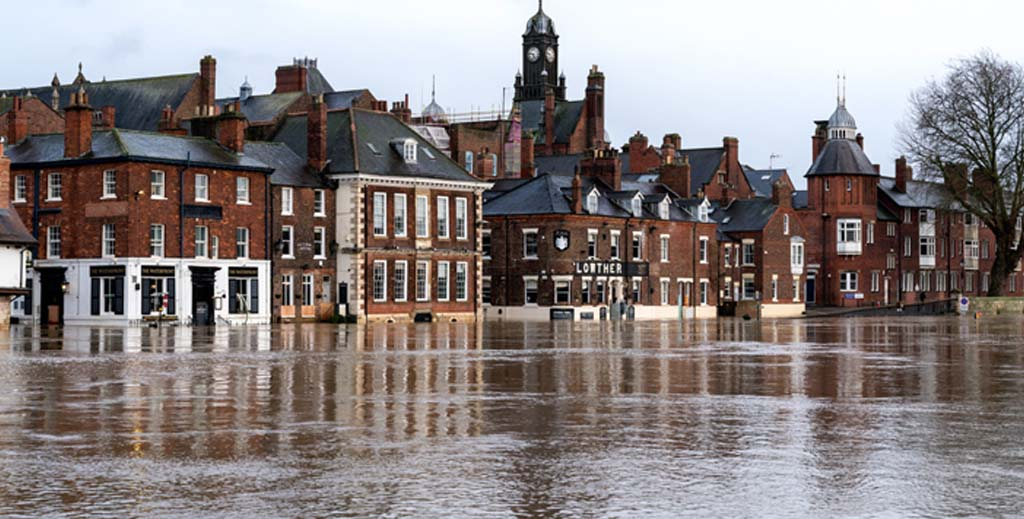 Thirty percent of UK commercial premises at risk of flooding - https://roomslocal.co.uk/blog/thirty-percent-of-uk-commercial-premises-at-risk-of-flooding #percent #commercial #premises #risk #flooding