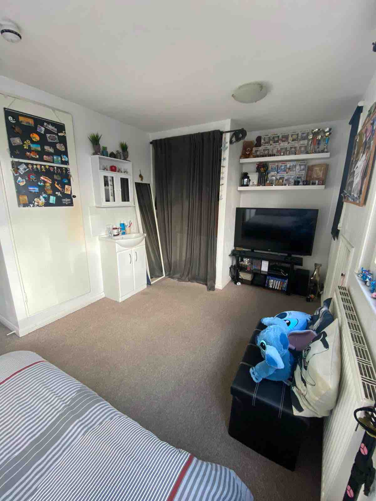 1 room in South Acton, London, W38LP RoomsLocal image