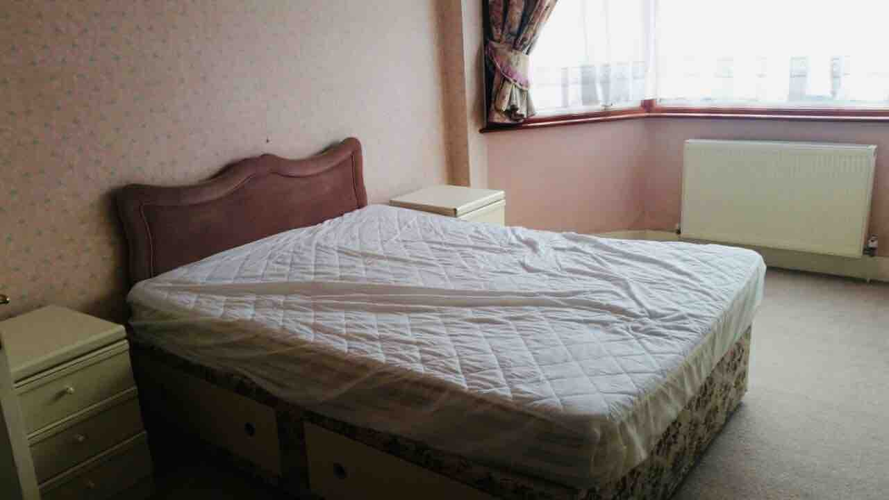 1 room in Golders Green, London, NW4 3RB RoomsLocal image