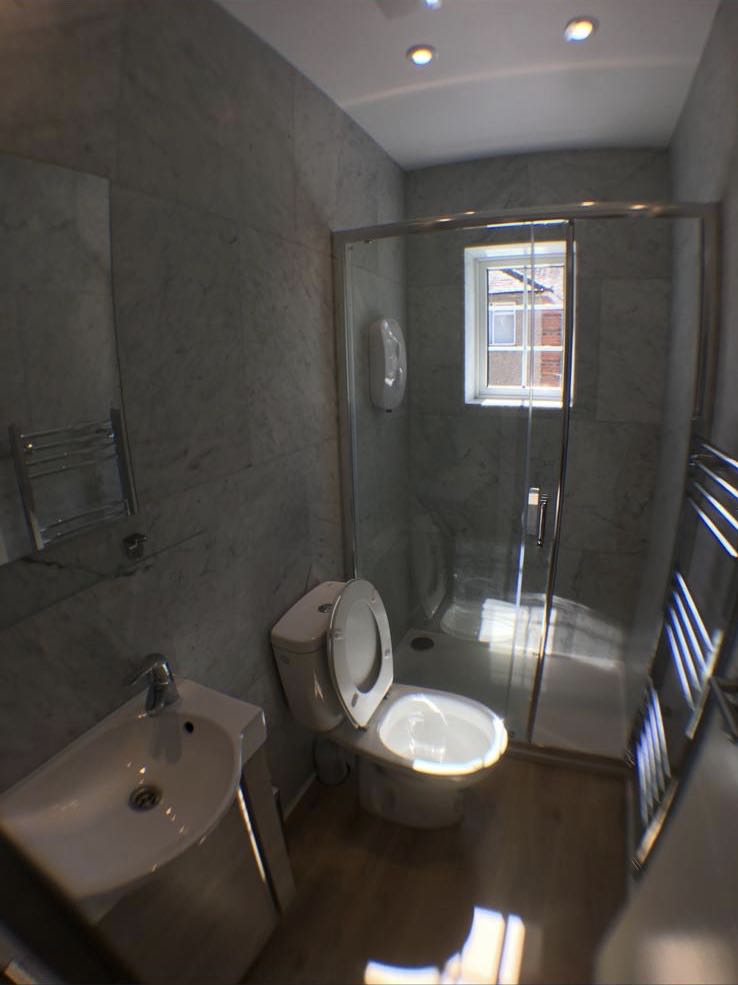 1 room in East Acton, London, W37DN RoomsLocal image