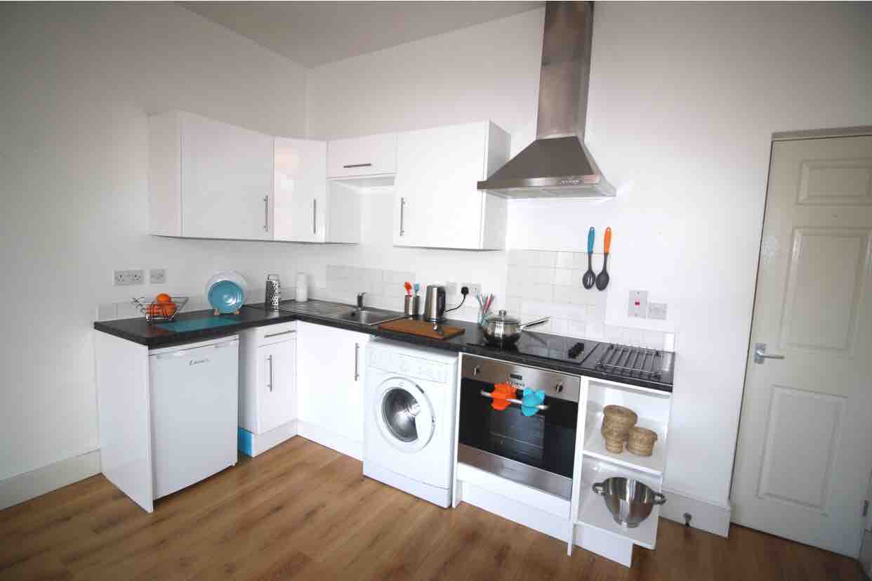 95p/w DOUBLE ROOM//TENANCY TAKEOVER//URGENT image