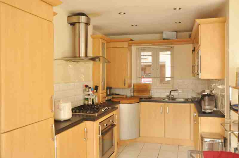 1 room in Cheshire West and Chester, Chester, CH3 5AD RoomsLocal image