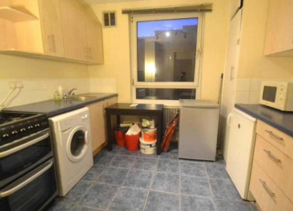 1 room in Abbey, London, SW19 2JS RoomsLocal image