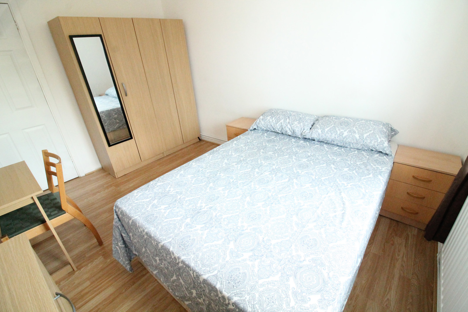 Fantastic two bedroom flat-share image