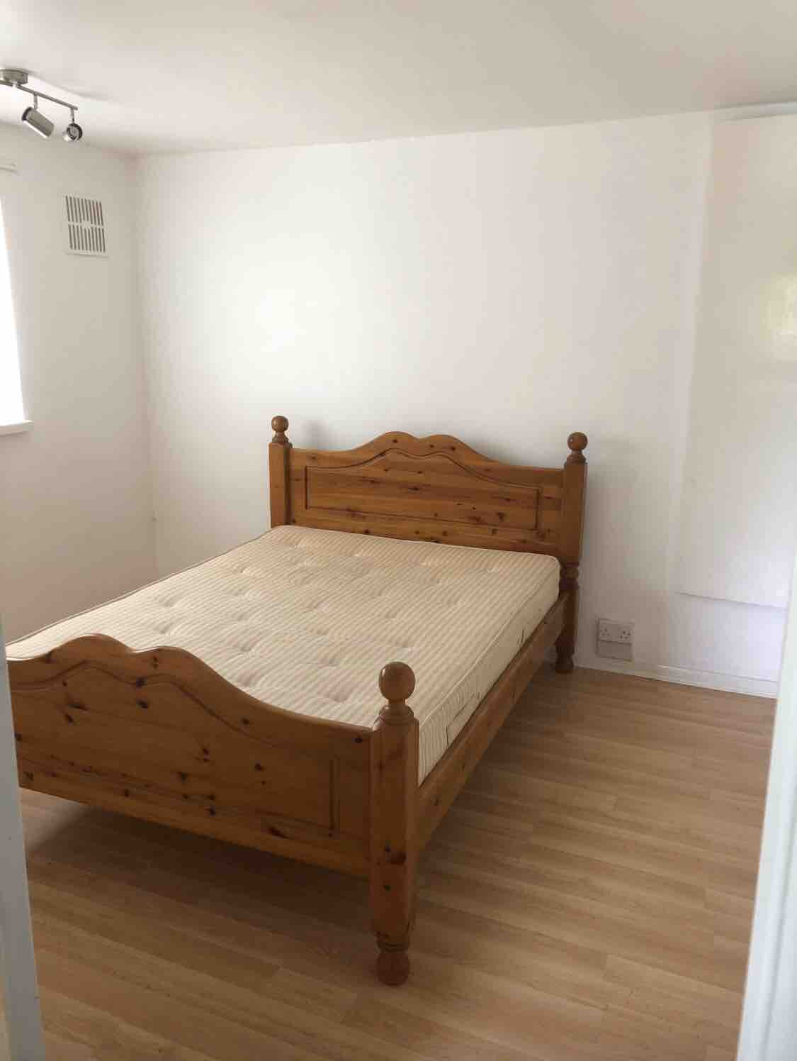 1 room in Havant, Portsmouth, PO9 3DE RoomsLocal image
