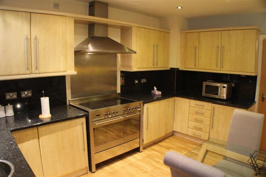 furnished 1  bedroom flat to rent, aLL bills included image