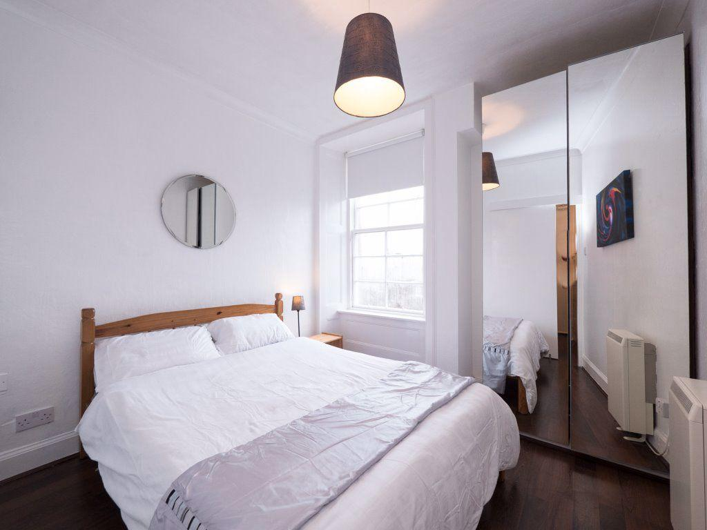 1 room in Church Street, London, W2 2SD RoomsLocal image