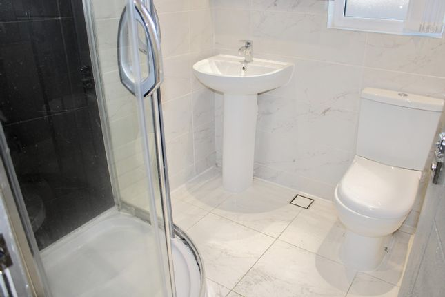 1 room in Hounslow, Hounslow, TW3 1JH RoomsLocal image