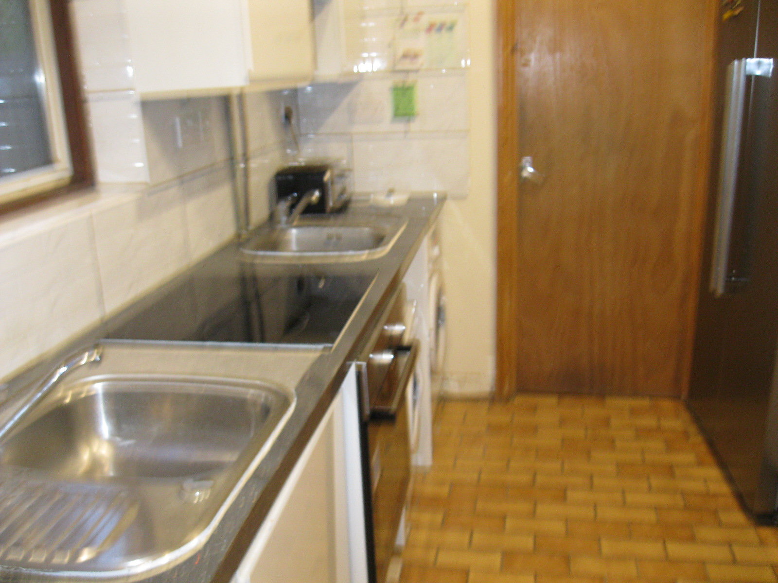 1 room in Chiswick Riverside, London, W43EA RoomsLocal image