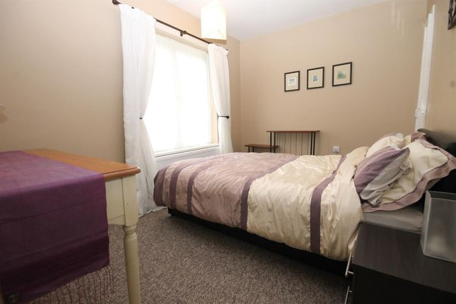 1 room in london, KT2 6BX RoomsLocal image