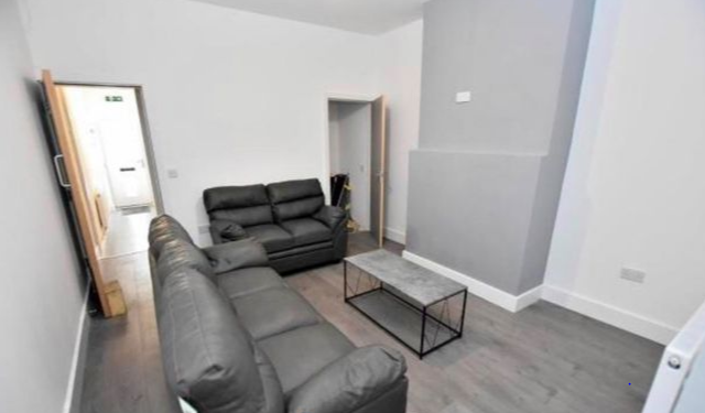 1 room in Wolverhampton, WV100PF RoomsLocal image