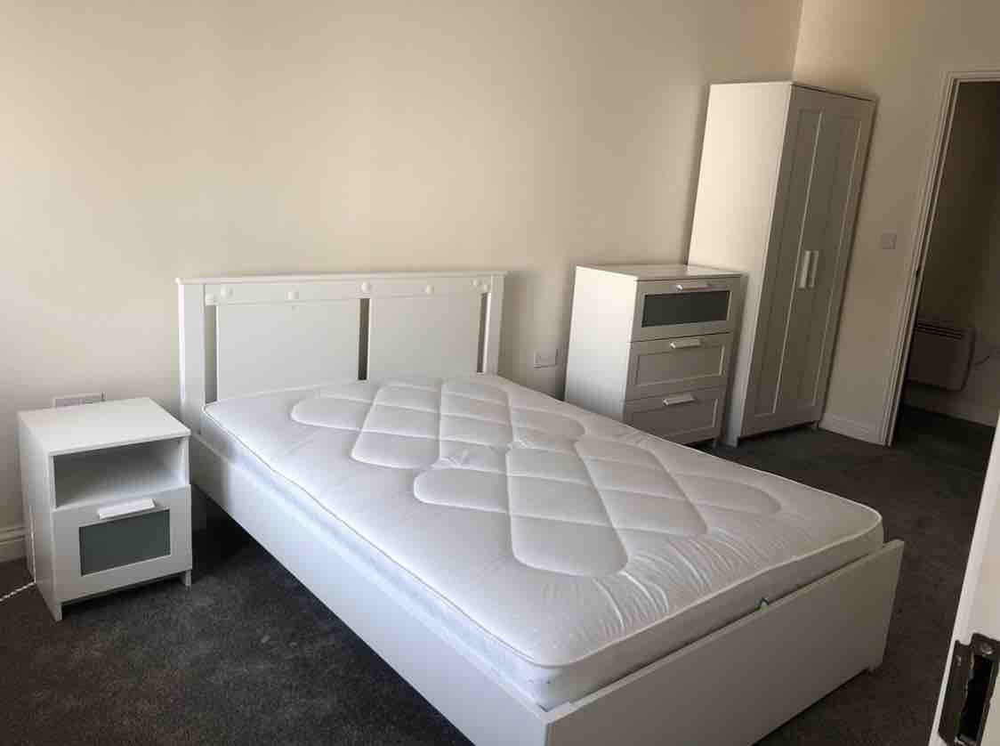1 room in Chadwell Heath, London, RM6 5NR RoomsLocal image