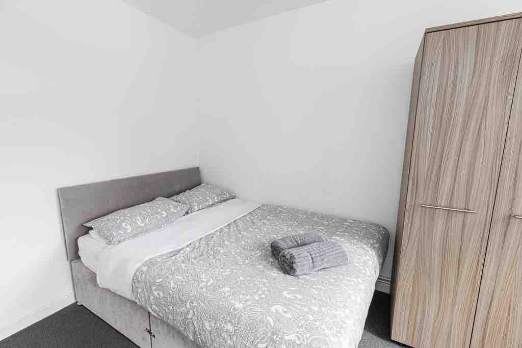 1 room in Blackwall, London, E16 1GZ RoomsLocal image