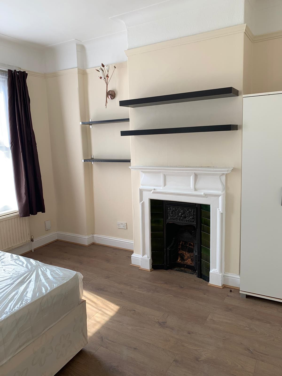 1 room in Woodside, London, N22 6LD RoomsLocal image