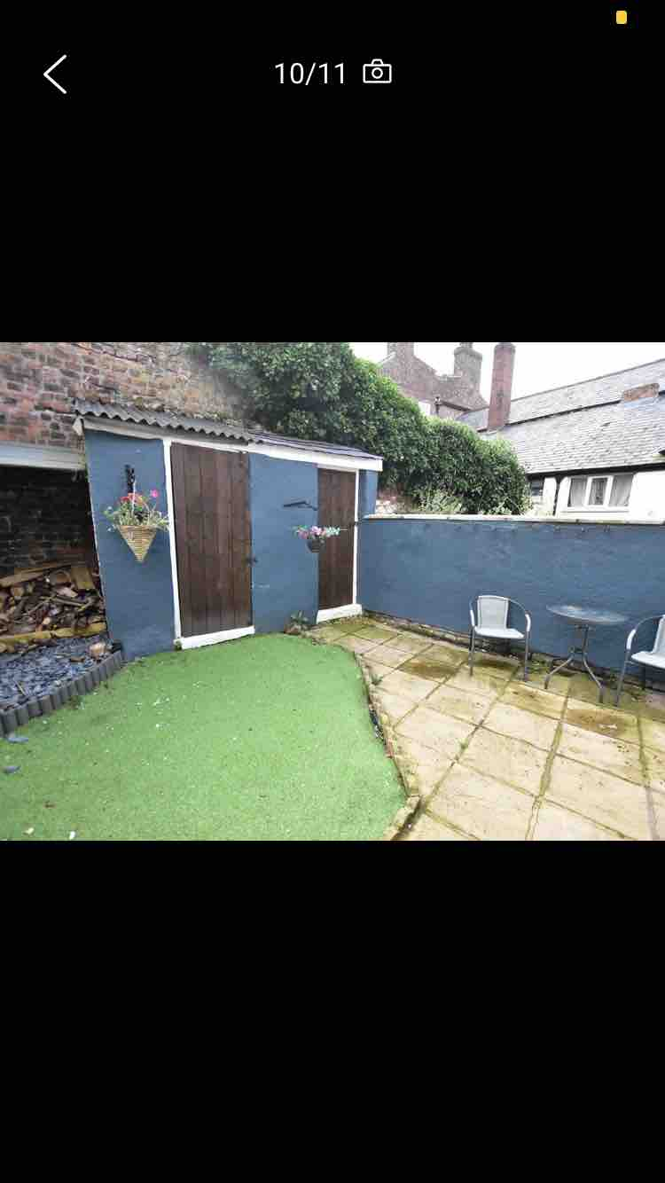 1 room in Neston, Neston, CH64 6QA RoomsLocal image
