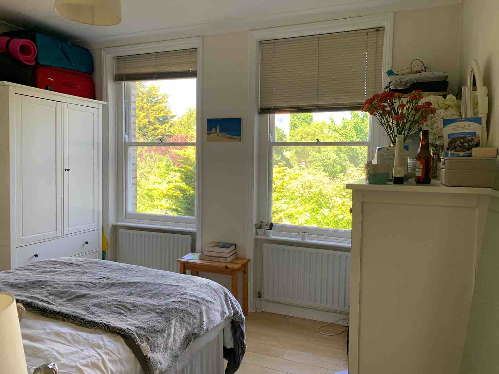 1 room in Fortune Green, London, NW23UG RoomsLocal image