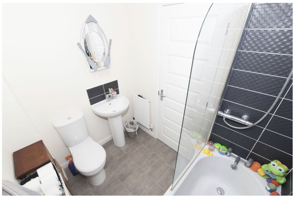 1 room in West Melton, Rotherham, S636GB RoomsLocal image