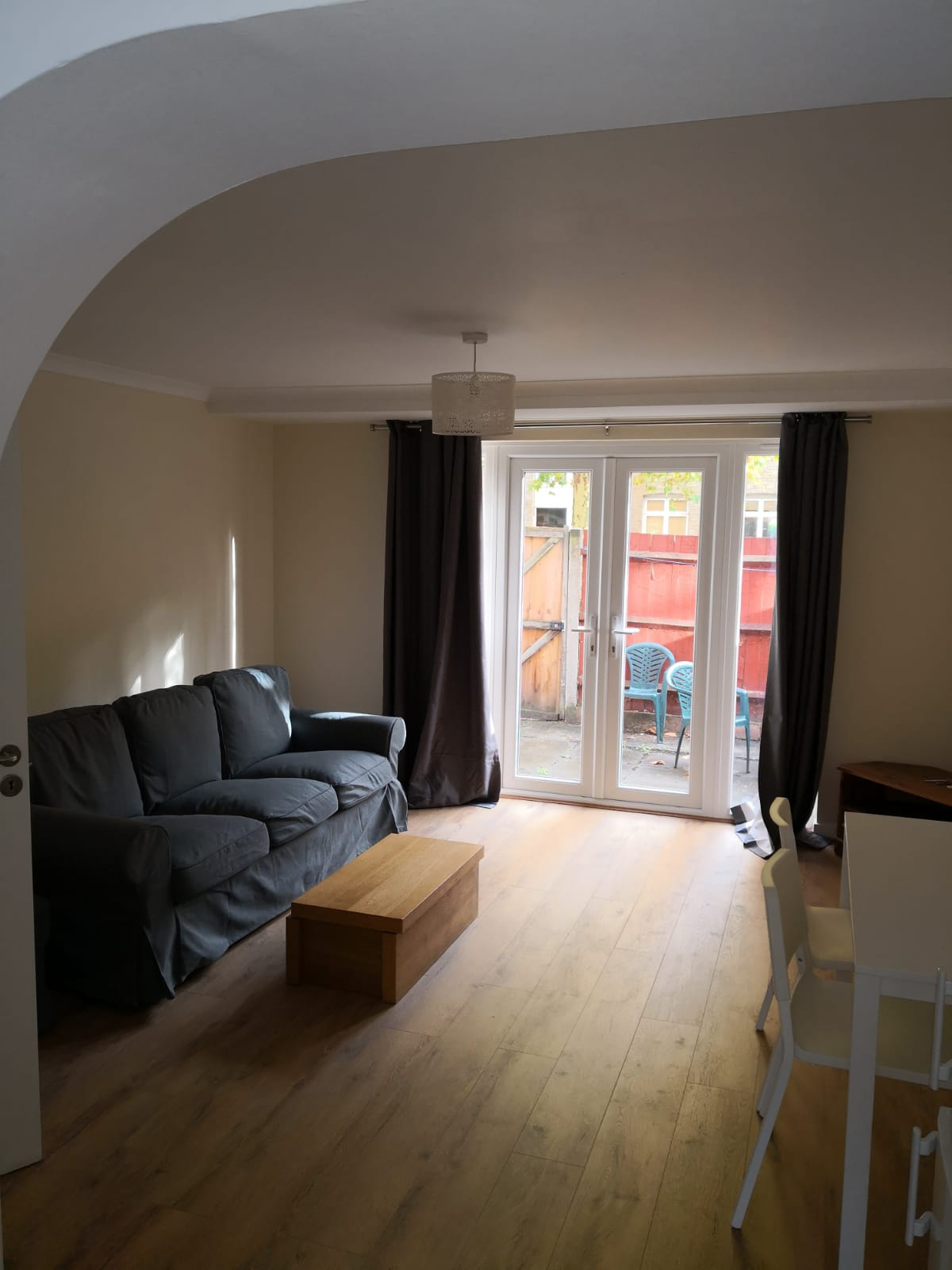 1 room in Bow, London, E3 2TR RoomsLocal image