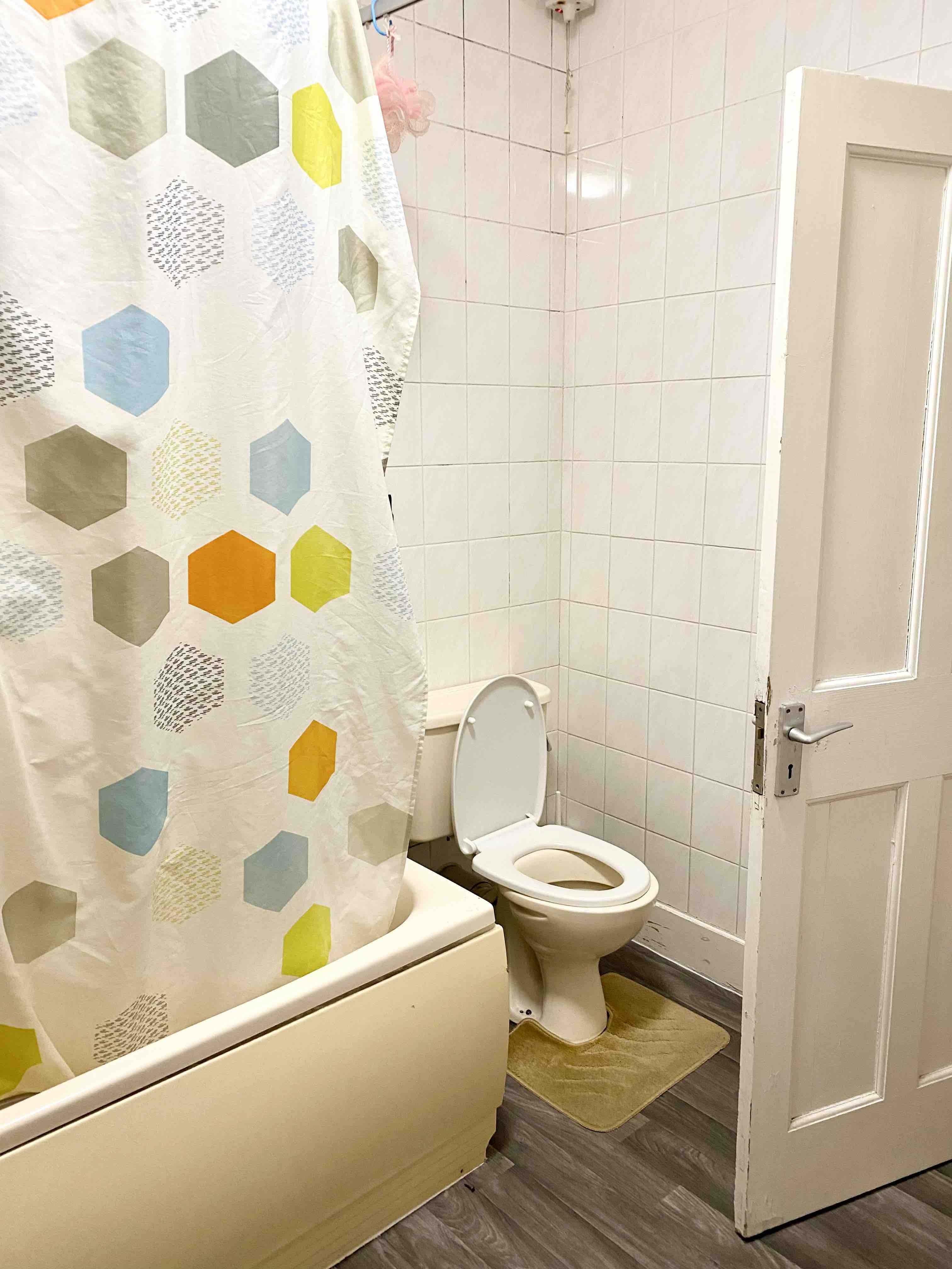 1 room in Golders Green, London, NW43RB RoomsLocal image