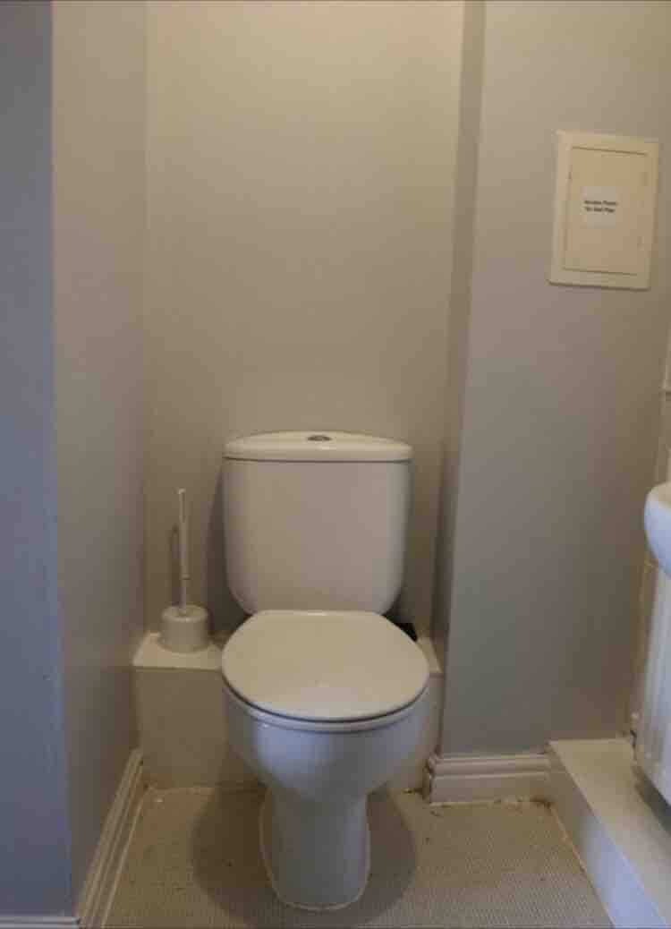 1 room in Clementswood, London, IG1 2PZ RoomsLocal image