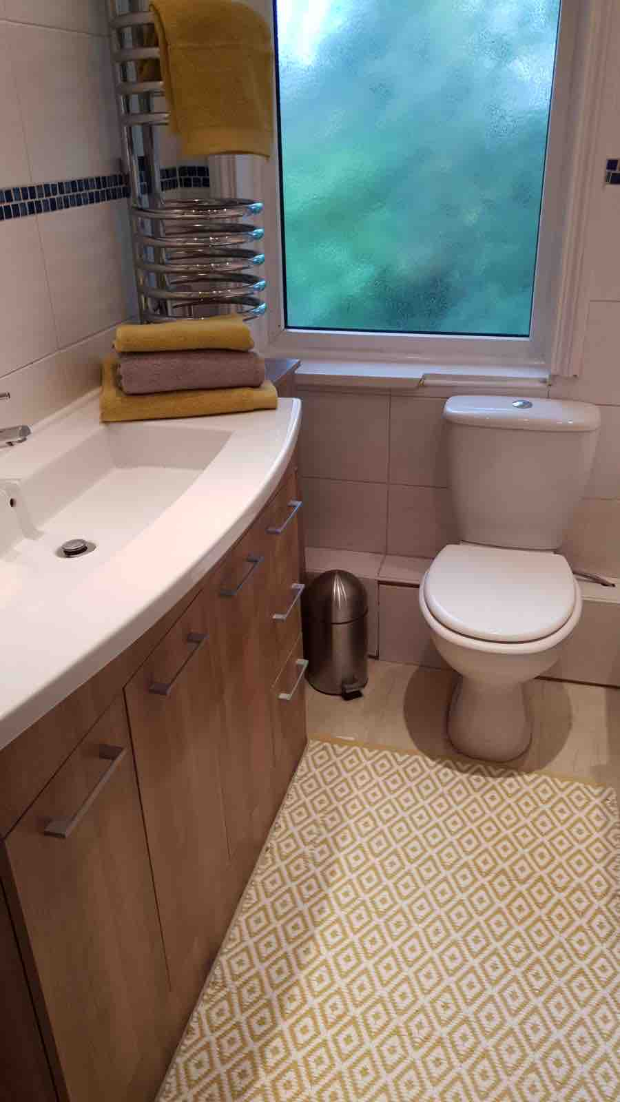 1 room in Neston, Neston, CH64 9SP RoomsLocal image