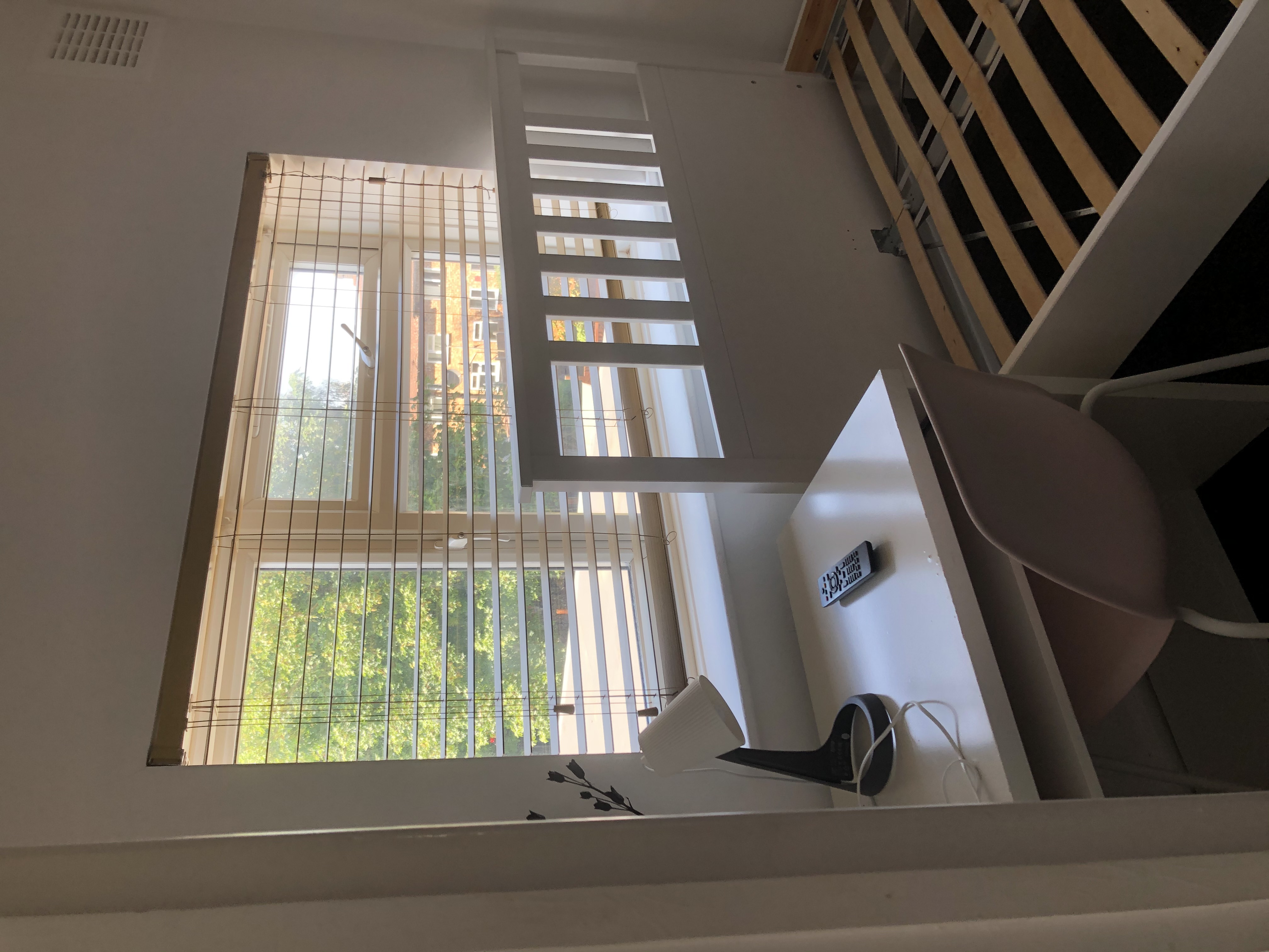 1 room in Middle Park and Sutcliffe, London, SE9 5RQ RoomsLocal image
