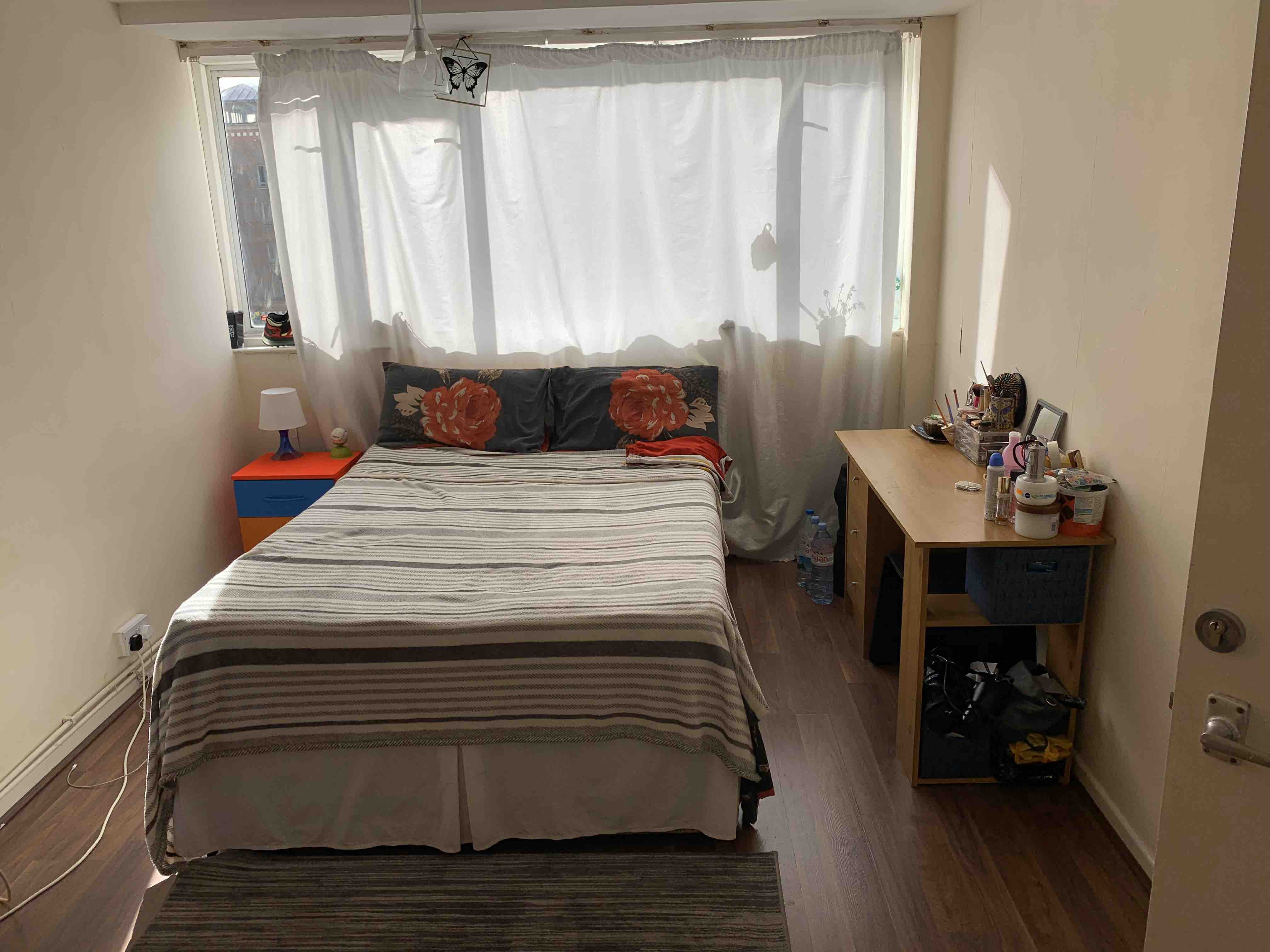 1 room in Mile End and Globe Town, London, E2 0RU RoomsLocal image