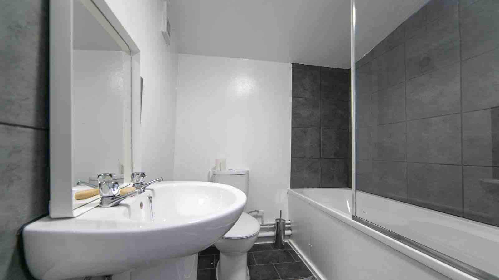 1 room in Westbourne, london, NW6 5LS RoomsLocal image