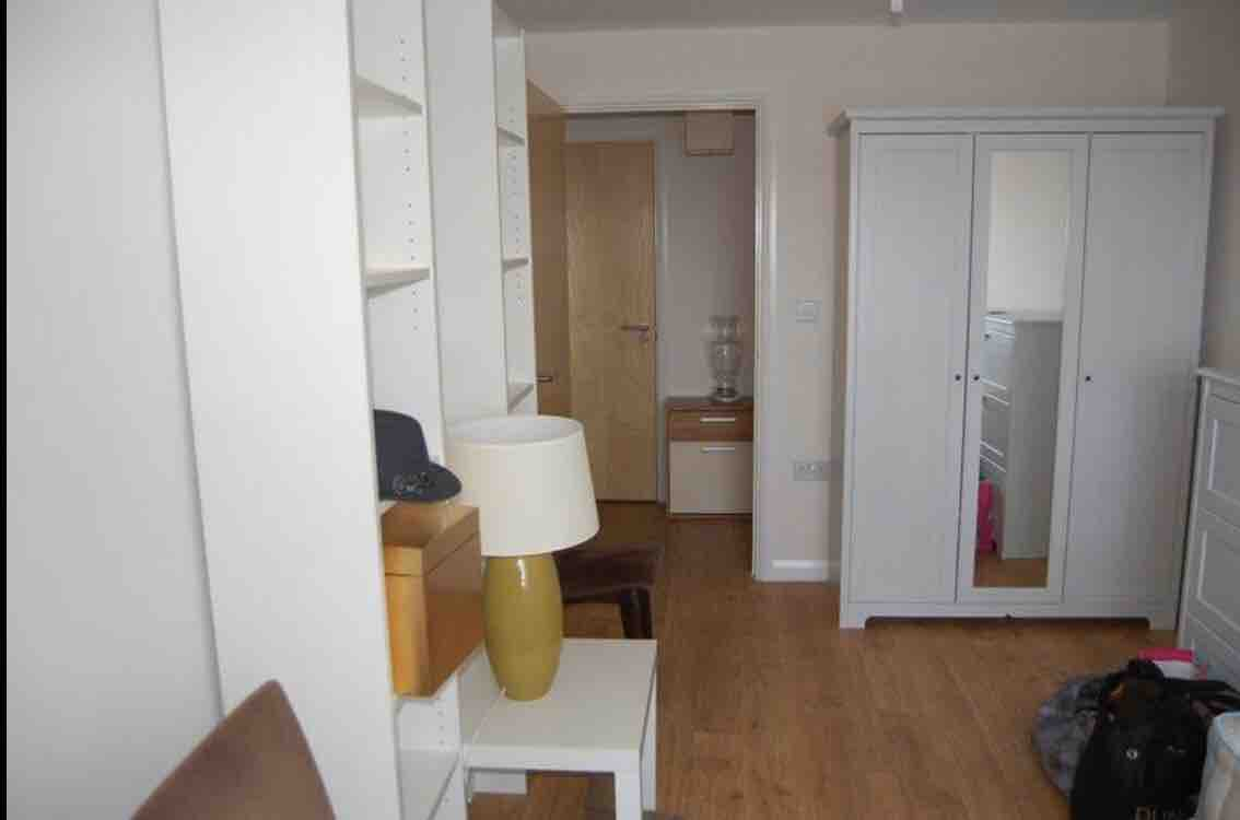 1 room in East Acton, London, W3 7DQ RoomsLocal image
