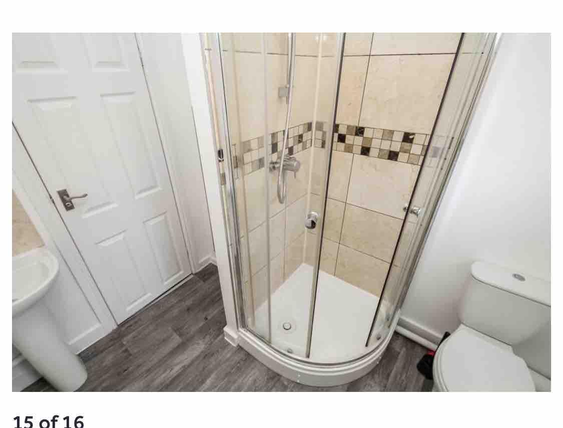 1 room in Leeds, Leeds, LS29AZ RoomsLocal image