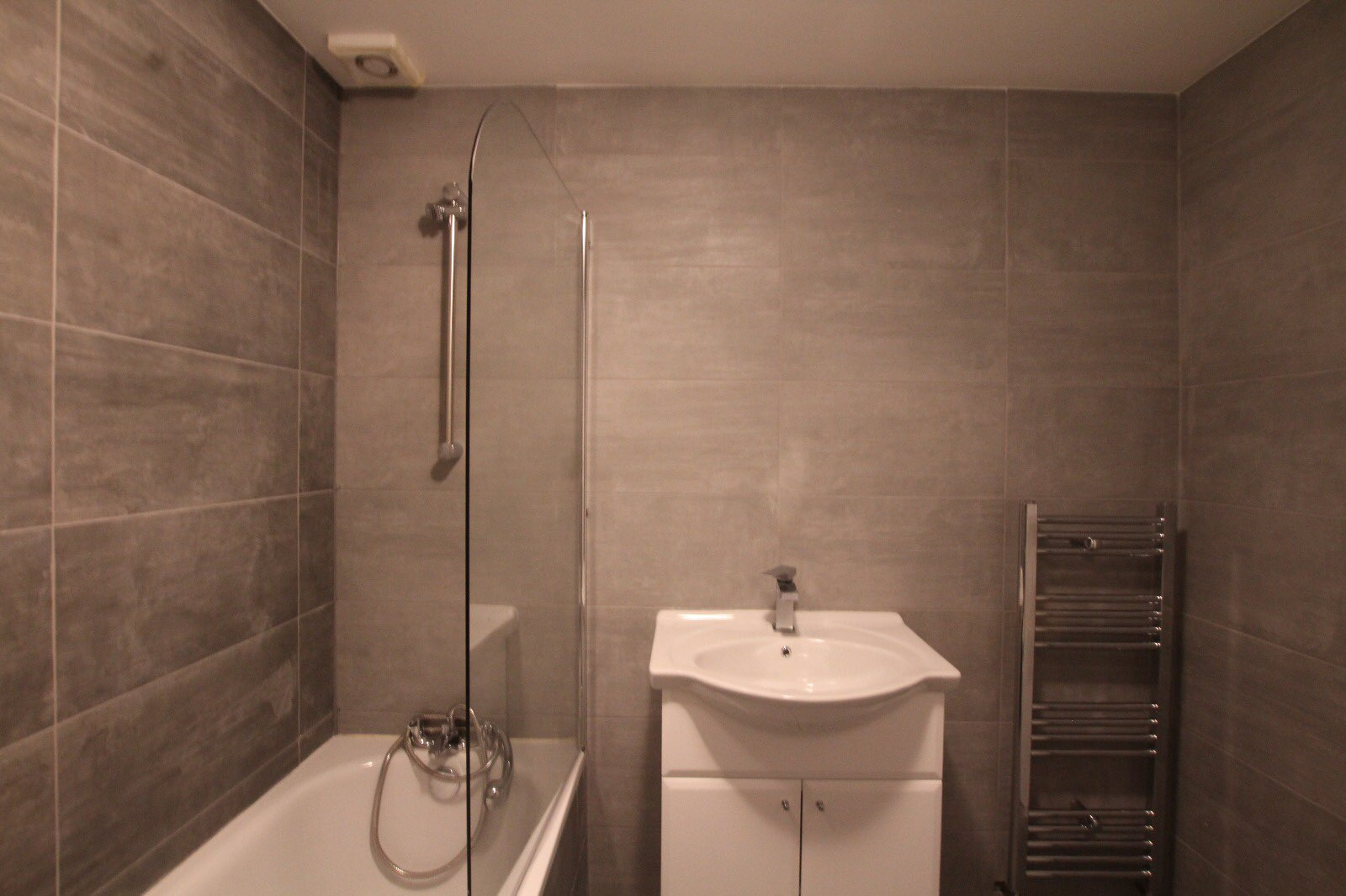 4 rooms in Clapham, Bedford, MK41 7XF RoomsLocal image