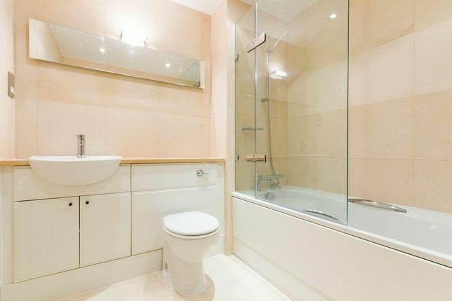 1 room in Canterbury, Canterbury, CT2 8FF RoomsLocal image