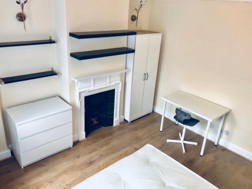 Property in Woodside, London, N22 6LD RoomsLocal image