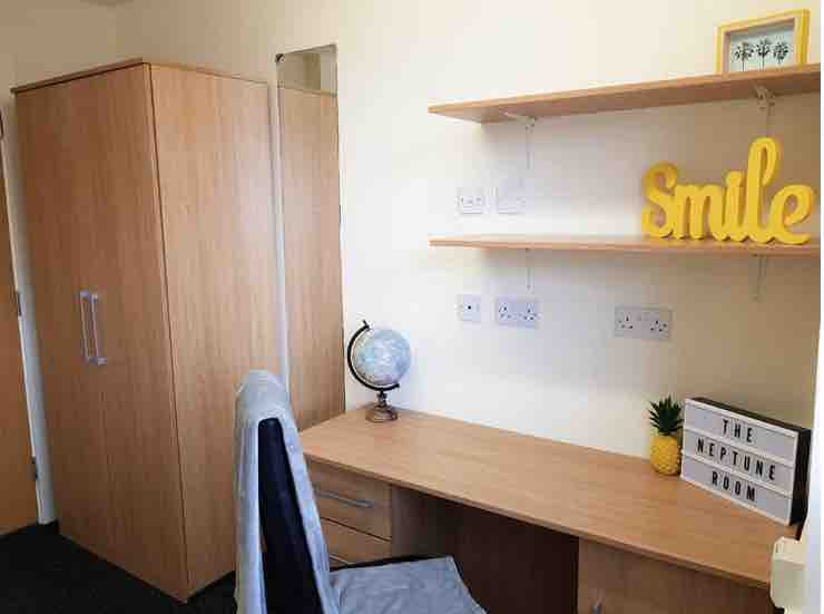 1 room in Castlefield, Manchester, M1 5SX RoomsLocal image
