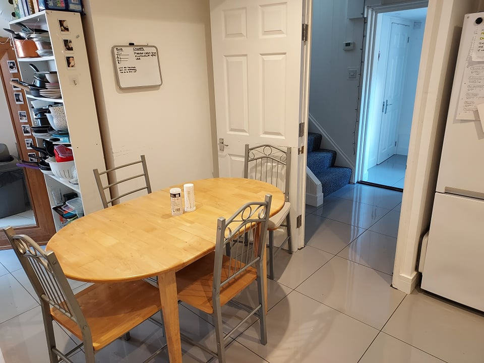 1 room in Park Barn, Guildford, GU2 8DW RoomsLocal image
