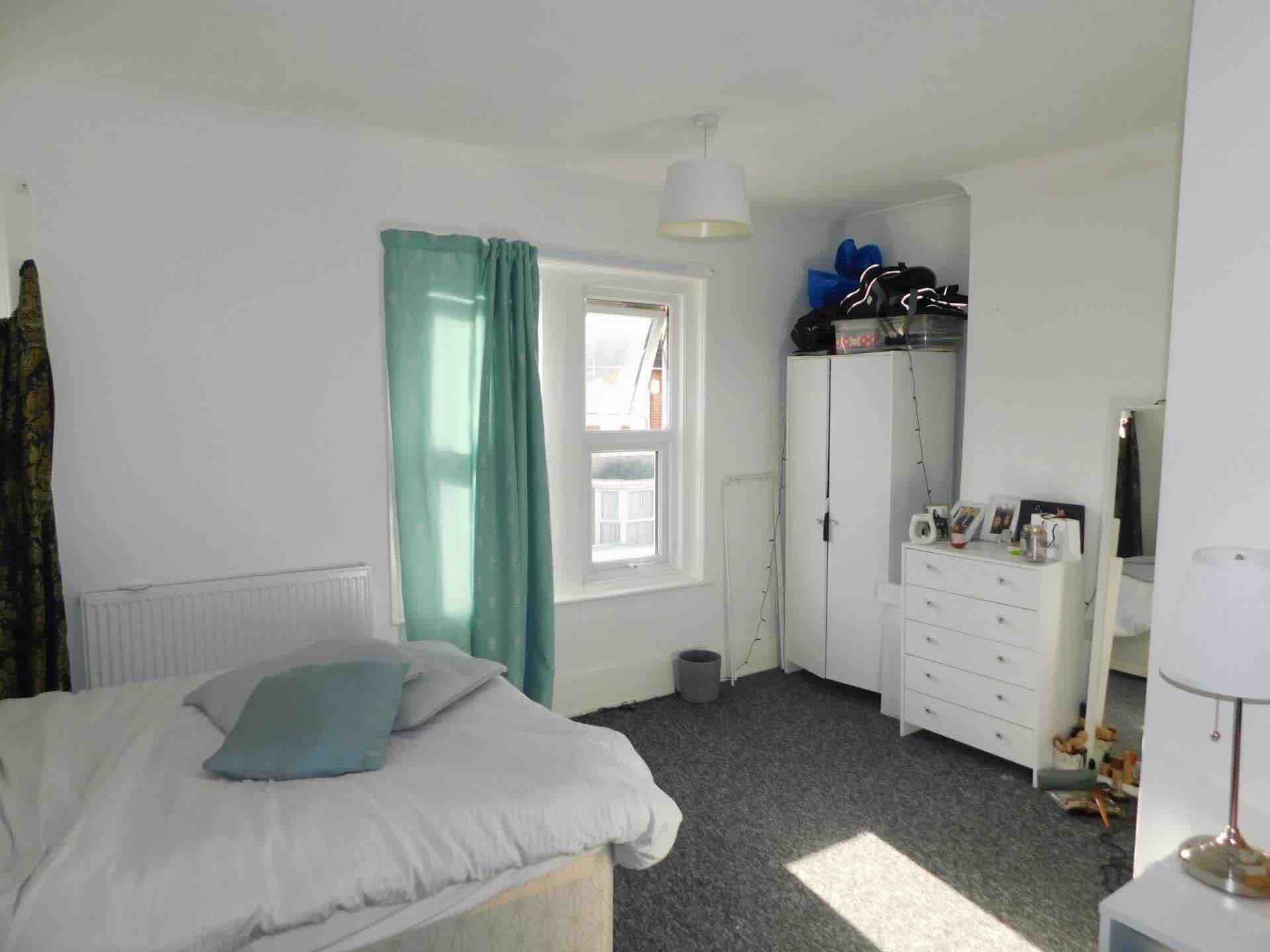 1 room in Shadwell, London, E1 1LD RoomsLocal image