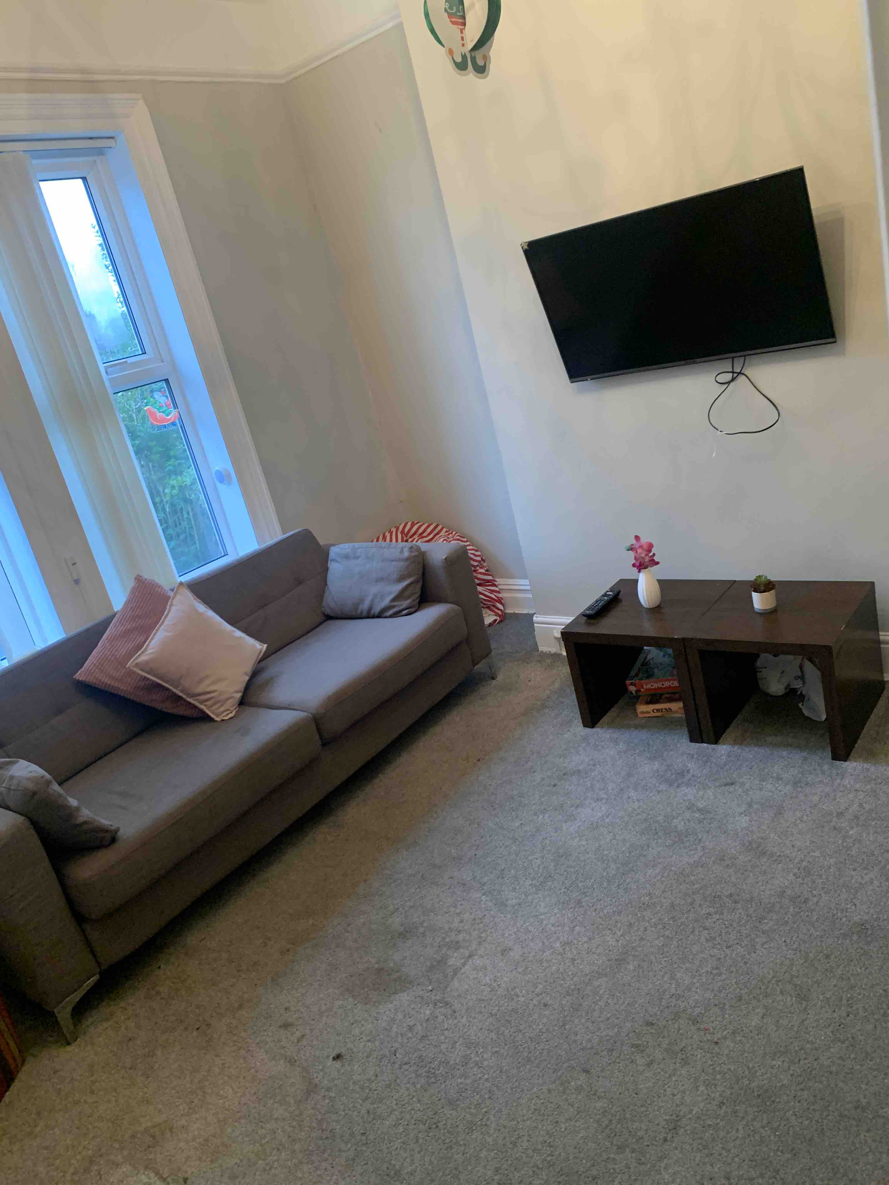 1 room in Headingley, Leeds, LS42PD RoomsLocal image