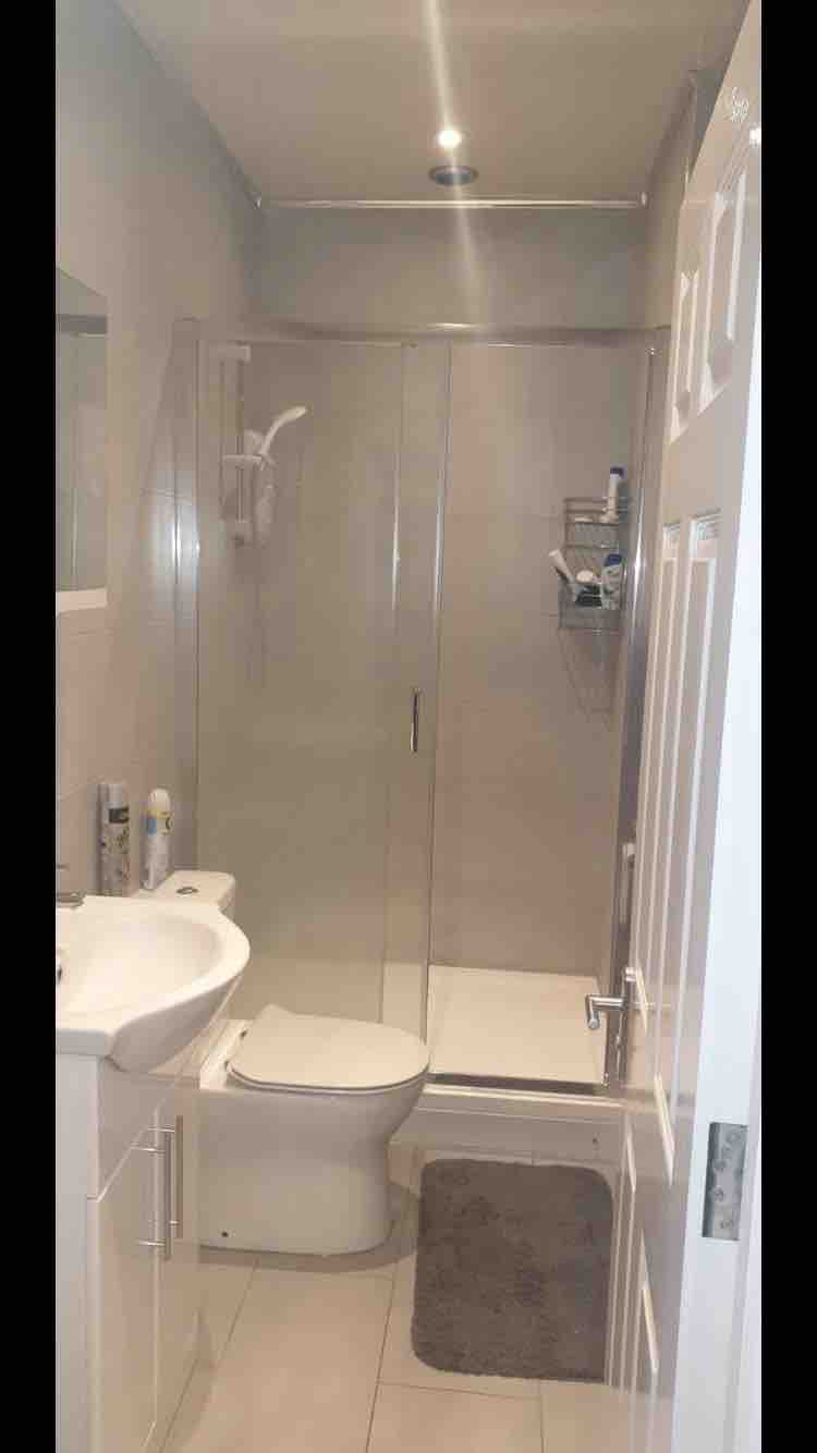1 room in Hanger Hill, London, NW107HR RoomsLocal image