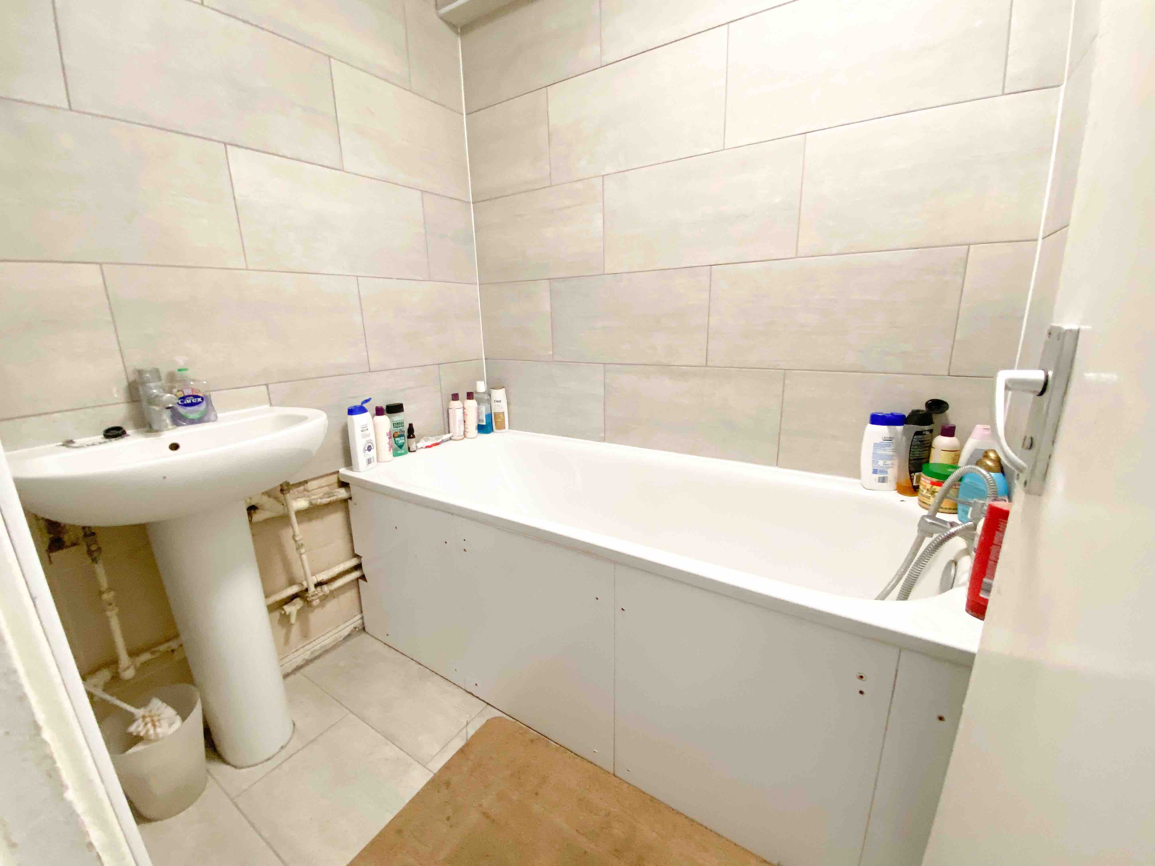 2 rooms in Chalk Farm, Kentish Town, NW5 4BA RoomsLocal image