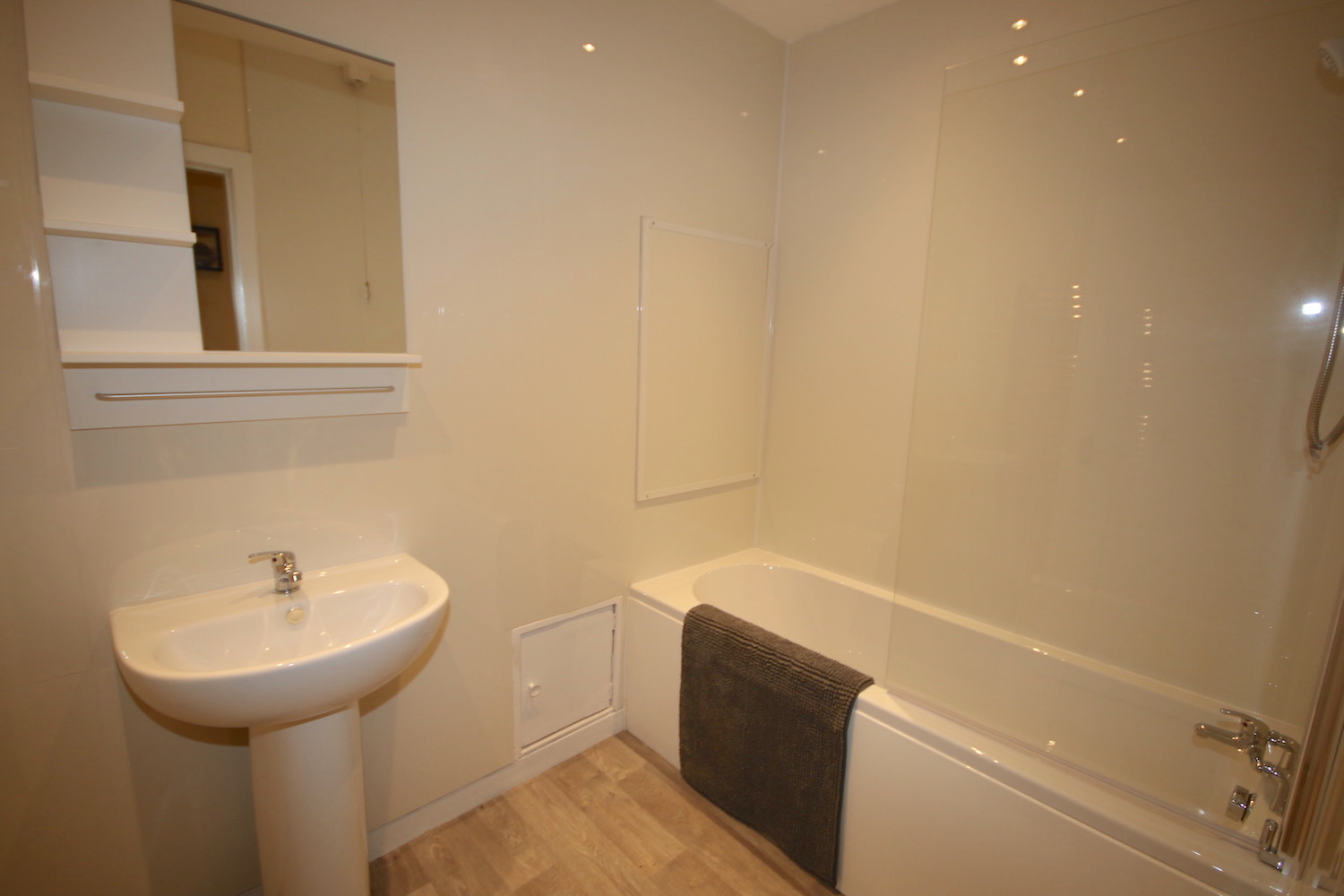 1 room in Bunhill, Clerkenwell London, EC1 8JU RoomsLocal image