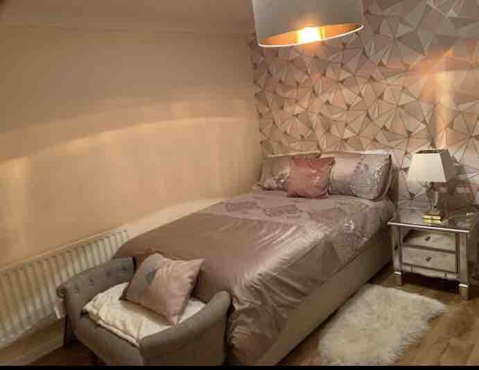 1 room in Reading, Reading, RG2 7QT RoomsLocal image