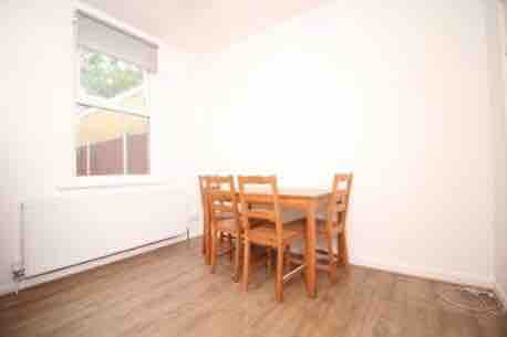 1 room in Forest Gate South, London, E7 0HG RoomsLocal image
