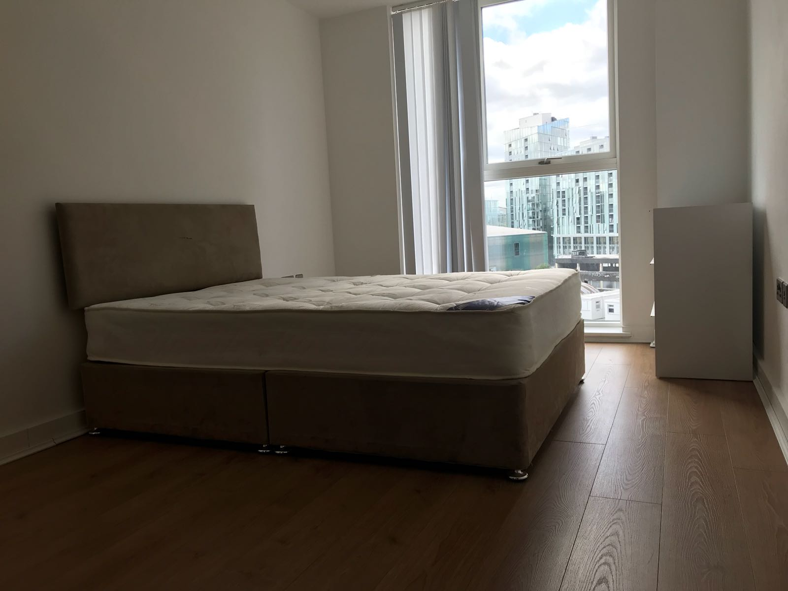 1 room in Greenwich, London, SE10 9FA RoomsLocal image