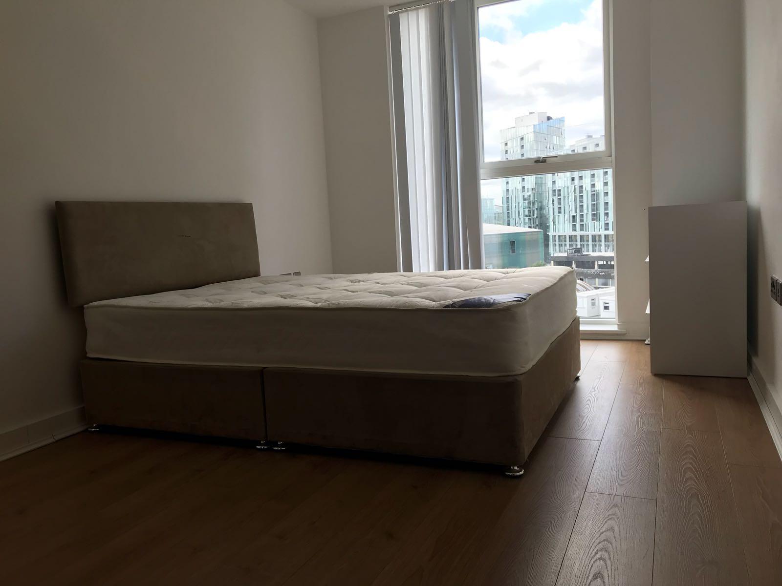 1 room in Greenwich, London, SE10 9FA RoomsLocal image