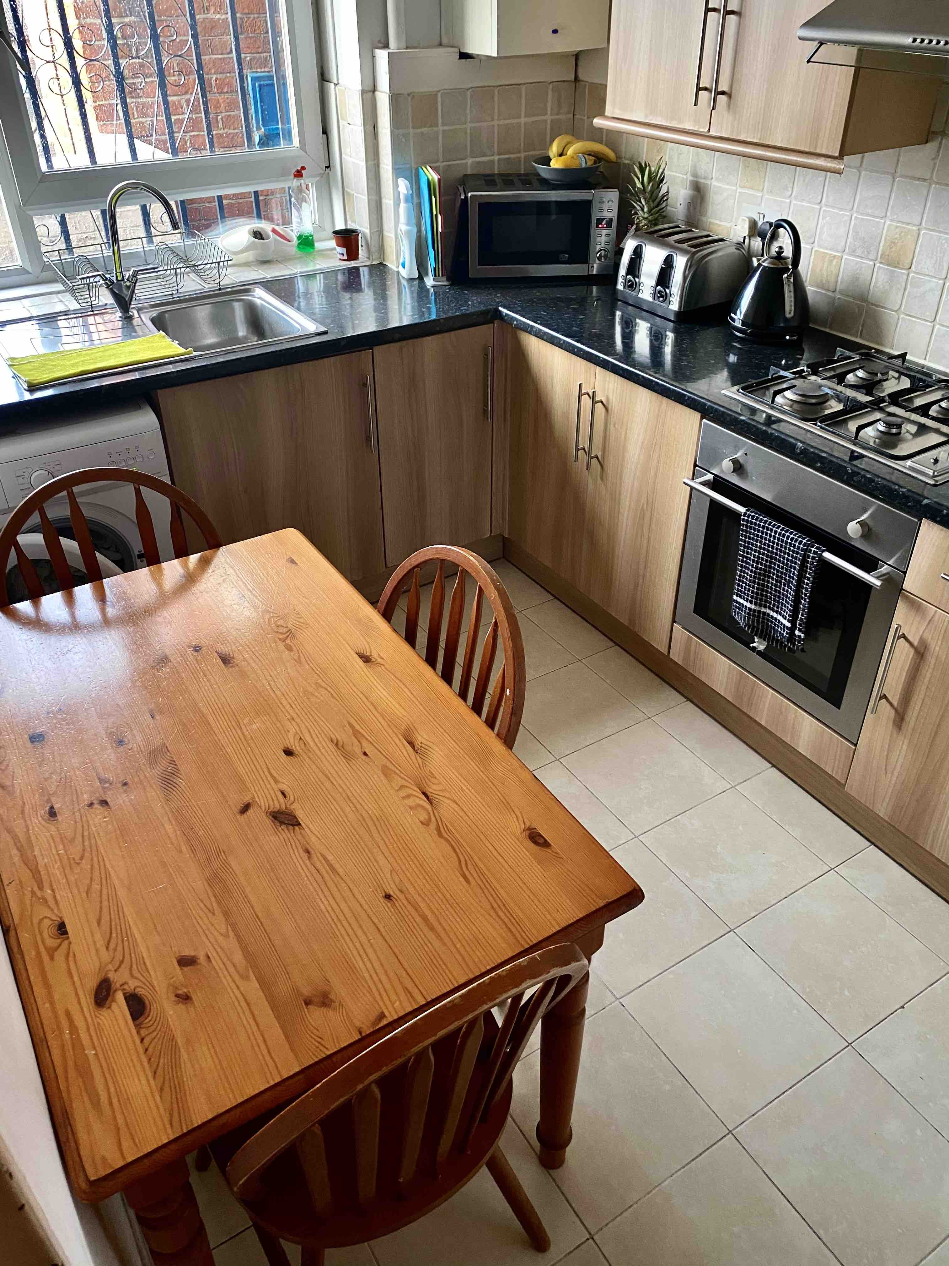 1 room in St. Dunstan's and Stepney Green, London, E1 4LA RoomsLocal image